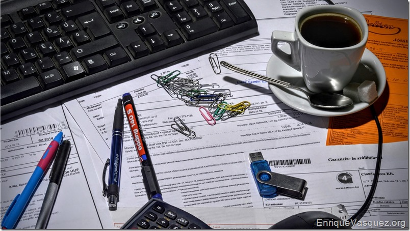 documentos-ordenador-cafe-lapices